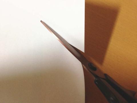 フィットカーブチタンプレミアムで紙を切ってみた